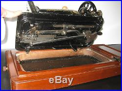 ANTIQUE SINGER 48k HAND CRANK SEWING MACHINE WITH BENT WOODEN CARRY CASE