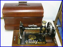 Antique Vintage New National Cast Iron Hand Crank Sewing Machine With Carry Case