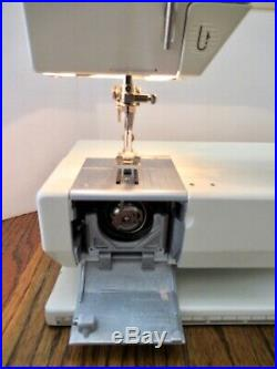 Bernina 1130 Computerized Machine w carry casesewing tableaccessory box +MORE