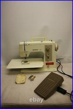 Bernina Sport 801 Heavy Duty Sewing Machine With Extension Table & Carrying Case