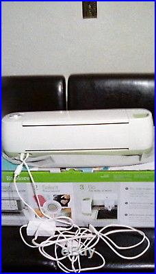 Cricut Explore Die-Cutting Machine With Carrying Case & Original Box-Gently Used