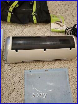 Cricut Expression CREX001 Craft Cutter And 22 Cartridges and carry bag case