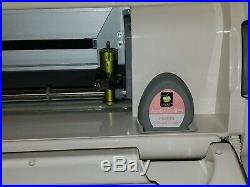 Cricut Expression Machine with Adjustable Carrying Case Great Condition CREX001