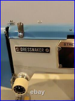 DRESSMAKER S5000 SUPER ZIGZAG SEWING MACHINE with FOOT CONTROL / CARRY CASE TESTED