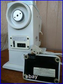 Elna Elnasuper Series 62C Sewing Machine Metal Carrying Case & Foot Controller