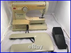 Husqvarna Viking 6020 Sewing Machine withCarrying Case