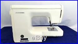 Janome Decor EXCEL Model 5018 18 Stitch Sewing Machine With Carrying Case