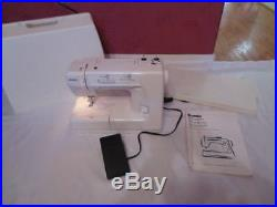 KENMORE Sewing Machine Model 385.15516 w Carrying Case Works Great