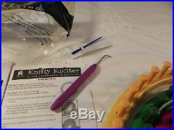 Knifty Knitter 4 rings looms- needle- pick- w /carrying case Provo Craft