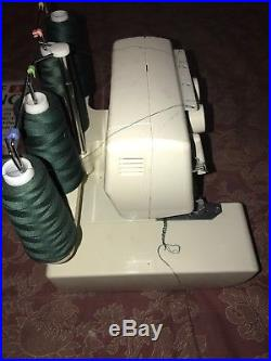 PFAFF HOBBYLOCK 776 SERGER ELECTRIC SEWING MACHINE & Carry Case