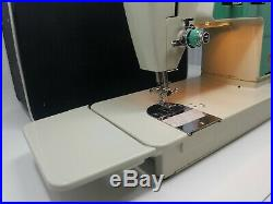 RARE Singer 680U Sewing Machine, carry case and owner manual Fully Functional