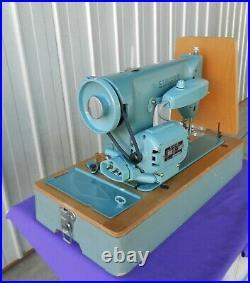 SINGER 285K SEWING MACHINE, Original Carrying Case, Pedal & Manual Vintage