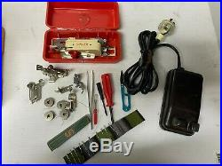 SINGER 320k ELECTRIC FOOT PEDAL OPERATED SEWING MACHINE WITH CARRY CASE