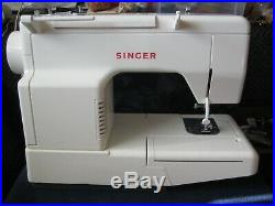 SINGER Sewing Machine Model 5050 with Carry Case, Manual, Pedal
