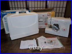 SINGER Traditional 2250Basic 10 Stitch Portable Sewing MachineBONUS CARRY CASE