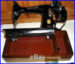 STUNNING VINTAGE SINGER 99k HAND CRANK SEWING MACHINE WITH CARRY CASE