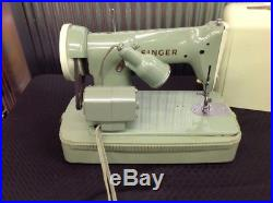 Singer 185J Heavy Duty Sewing Machine withCarrying Case