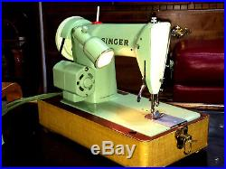 Singer 185J Jadeite Green Heavy Duty Sewing Machine withCarrying Case & Access