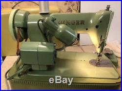 Singer 185J Jadeite Green Heavy Duty Sewing Machine withCarrying Case & Manual