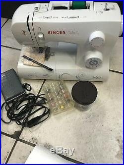 Singer 3323 Talent Sewing Machine In Rolling Carrying Case Pre-owned