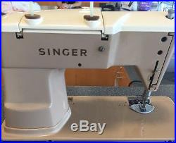 Singer 401A Sewing Machine Includes Pedal And Hard Carrying Case RARE
