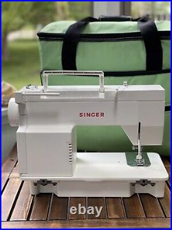 Singer 5705C Sewing Machine Adjustable Stitching with Foot Pedal & Carrying Case