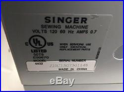 Singer Heavy Duty Professional Sewing Machine 4432 Carrying Case MINT