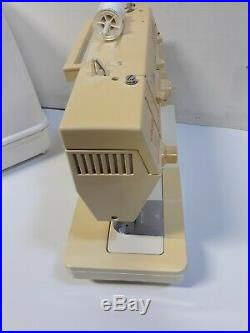 Singer Merritt Model 4530 C Sewing Machine WithFoot Control & Carry Case