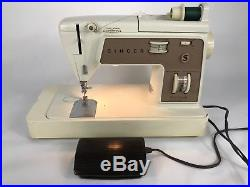 Singer Sewing Machine Touch&Sew Zig-Zag Model 758 with Carrying Case & Accessories