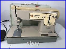 TESTED! Singer Stylist Zig Zag Sewing Machine Model 457 with Carry Case and Pedal