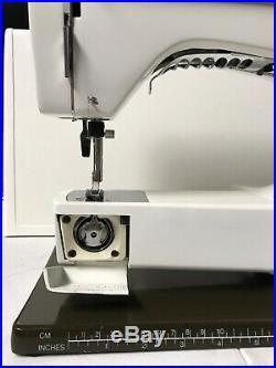 Viking Husqvarna 6460 2000 SL Sewing Machine/ Carrying Case
