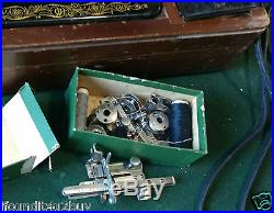 Vintage 1949 Singer Sewing Machine s/n 6843627 & Dome Carrying Case