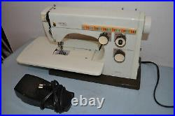 Vintage 70's HUSQUARVA VIKING 6430 Sewing Machine with ARM & Carrying Case