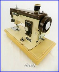 Vintage New Home Model 921 Sewing Machine With Foot Pedal & Hard Carry Case