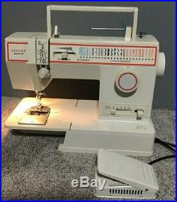 Vintage Singer Merritt Model 4552 Sewing Machine With Carrying Case