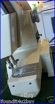 Vintage Singer Sewing Machine Model 6233 Zig Zag Free Arm with Carrying Case